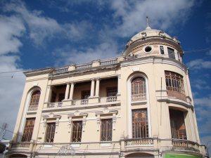 Edificio paradigmático de Riobamba.