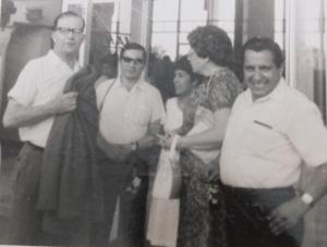 Herbert Schneidewind (izquierda) en su regreso fugaz a Guayaquil.