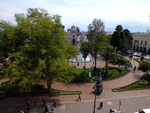 En esta plaza se acumuló el pueblo para sumarse a la declaración de emancipación.